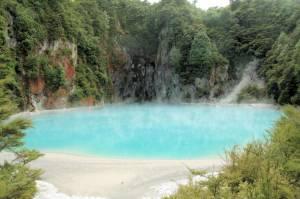 Waimangu Inferno Crater